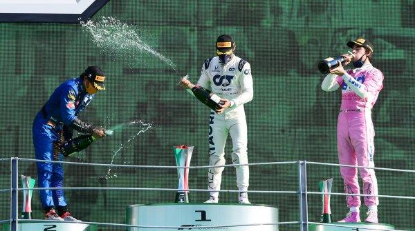 Podsumowanie wiadomości z F1 02.03.2021 - Wino musujące zamiast szampana